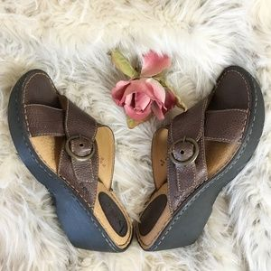 BOC by Born Brown Leather Wedge Sandals 8